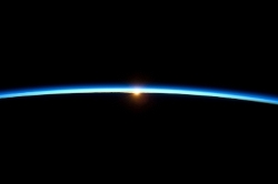 gpw-200911-NASA-ISS021-E-031766-sunset-thin-blue-line-of-the-atmosphere-of-Earth-20091123