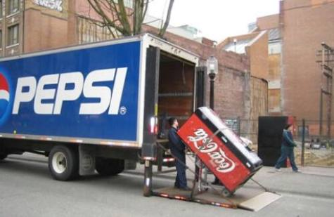 http://uploads.neatorama.com/wp-content/uploads/2011/03/pepsi-vs-coke-101507.jpg
