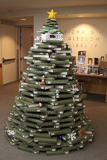 Fishing Line Christmas Tree Patterns http://www.neatorama.com/2011/04/27/cool-non-literary-uses-for-books/