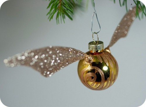 Goldensnitch-ornament-500x368