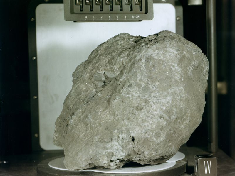 this rock found on the moon originated on earth