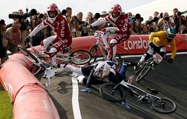 olympics bike crash