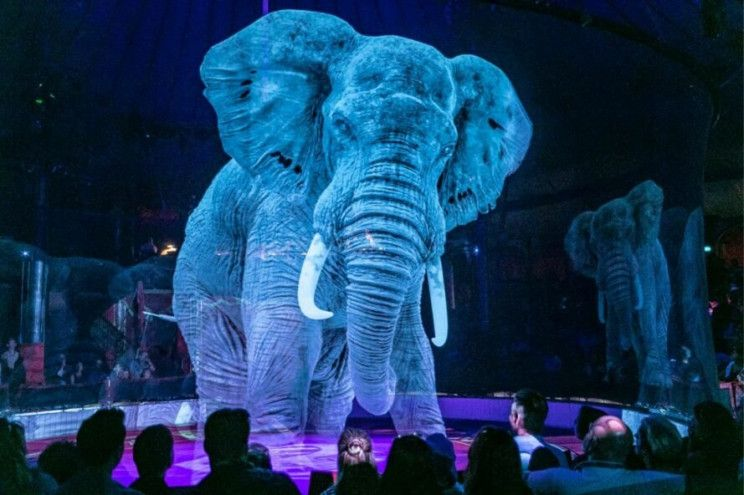German Circus Uses Holograms instead of Animals