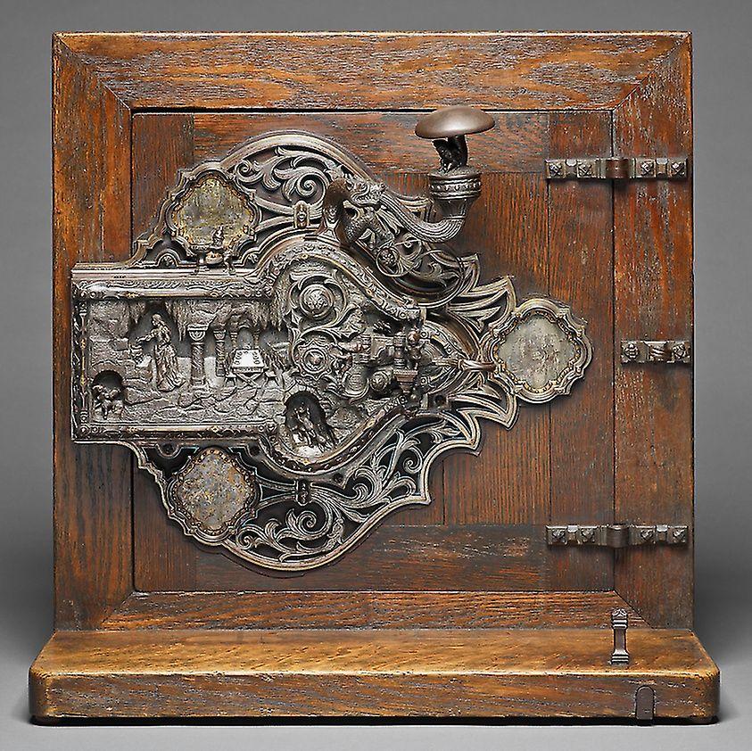 this-lock-illustrates-snow-white