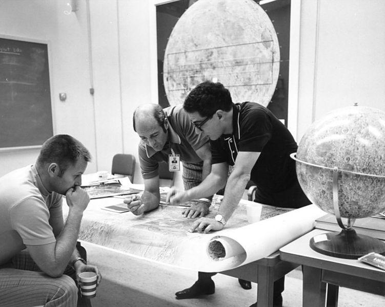 Twenty People Behind the Apollo Mission's Success