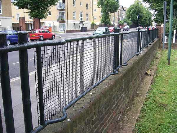 London's Stretcher Railing