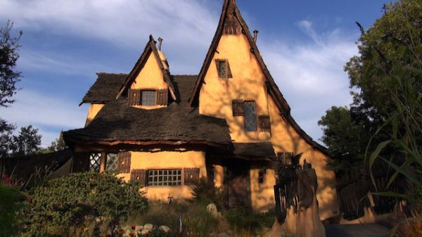 Beverly Hills Is Known For Mega Mansions And Celebrities, But Amongst The  Glitz And Glamour Lies The Strange And Wonderful Witch House.