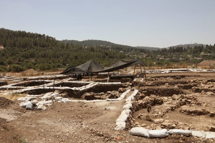 9000-Year Old Neolithic Settlement Unearthed in Jerusalem