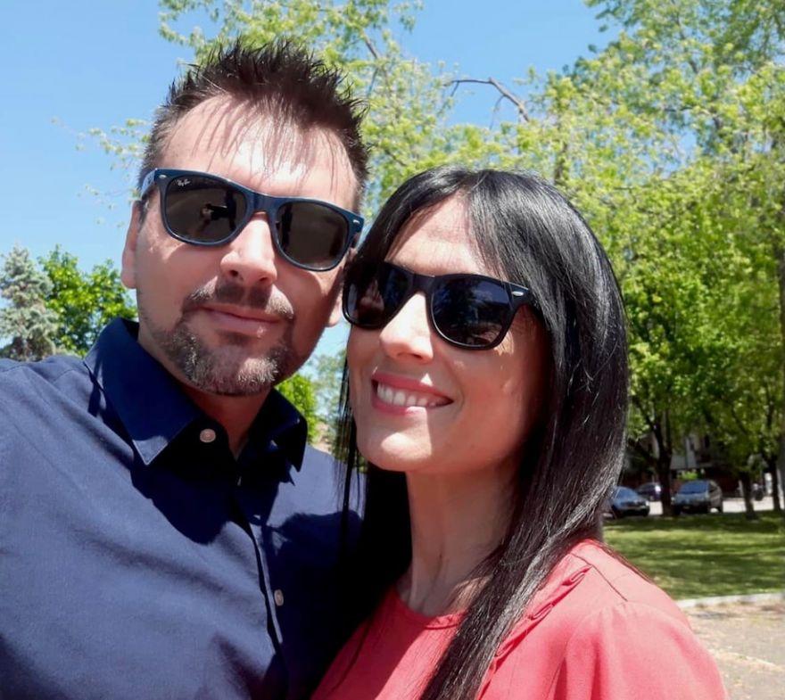 "The ""Coronavirus Romeo and Juliet"" Met in Quarantine on Balconies in Verona"