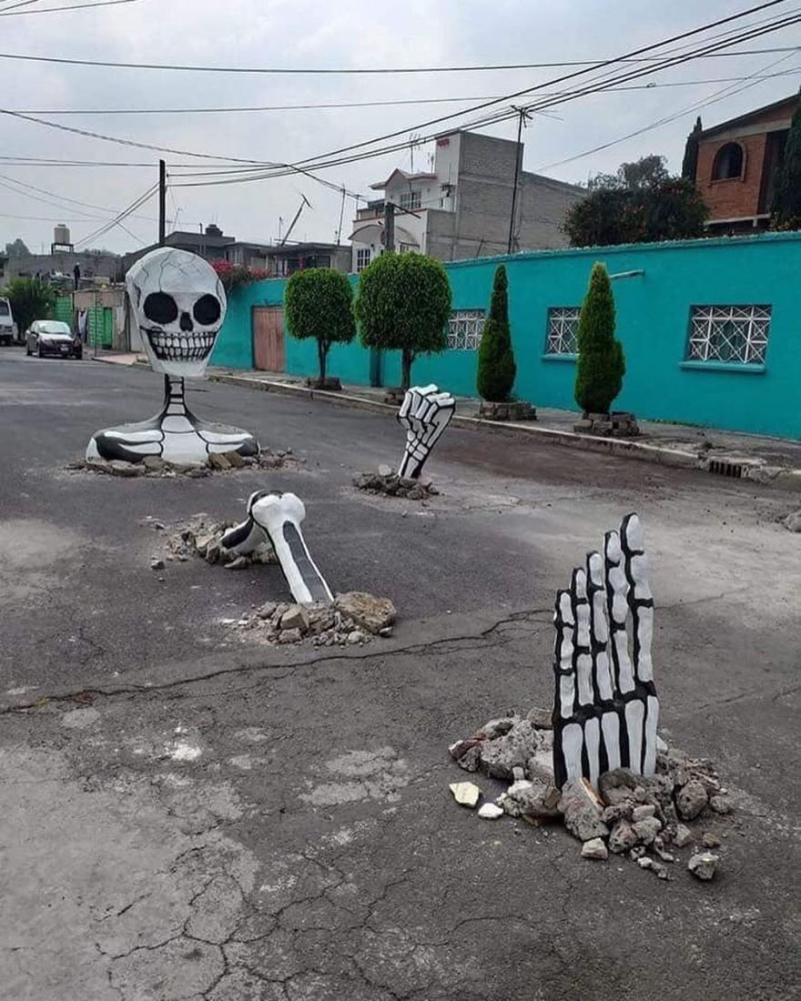This Huge Skeleton Rises From The Ground For Mexico's Day Of The Dead