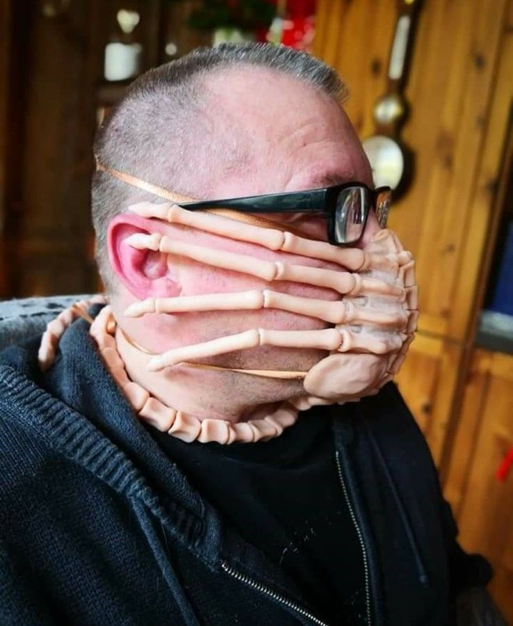 facehugger-protective-mask