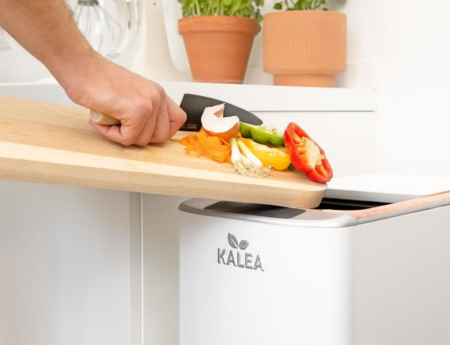 This Device Can Turn Food Scraps Into Compost In 2 Days