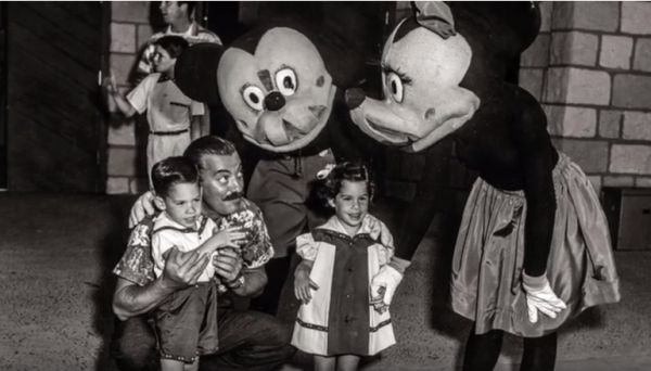 ... past several years that trace the evolution of costumed Disney characters. Mickey Mouse was making public appearances decades before Disneyland opened ...  sc 1 st  Neatorama & The Evolution of Disney Character Costumes - Neatorama
