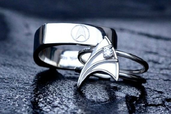 nerdy bands fingerprint wedding rings slideshow