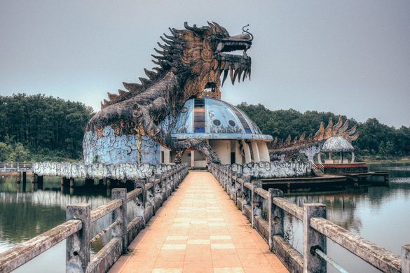 This Post-Apocalyptic Wonderland Is Actually An Abandoned Water Park