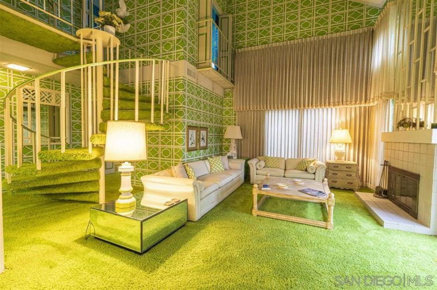 lime-green-condo-is-a-time-capsule-from-1974