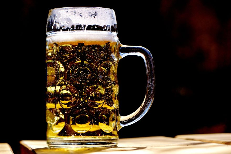 Survey Finds that British People Get Drunk More