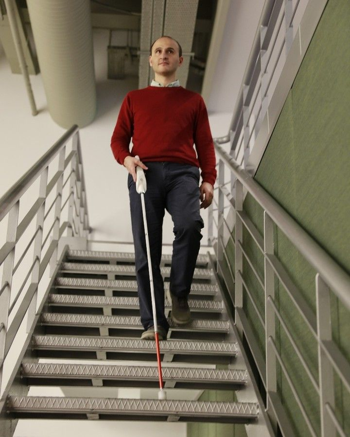 """A Blind Man Invented a """"Smart Cane"""" to Navigate the World"""