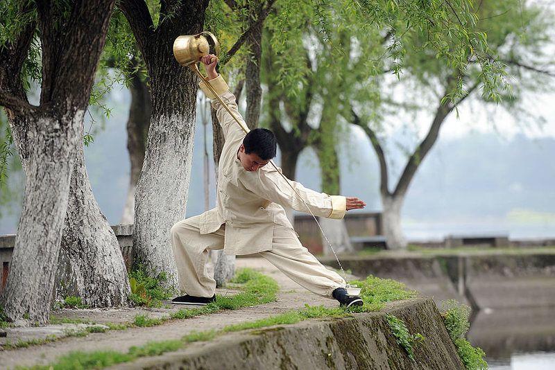 Chengdu's Kung Fu Tea: Performance or Tradition?