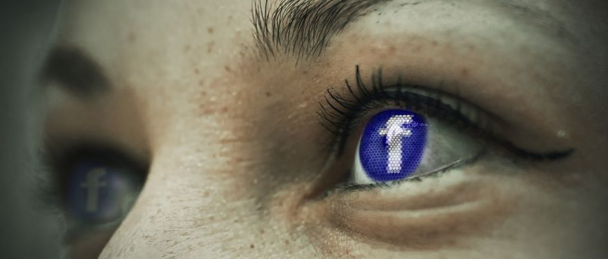 UK Government Should Urge Social Media Firms To Share Their Data, Psychiatrists Say