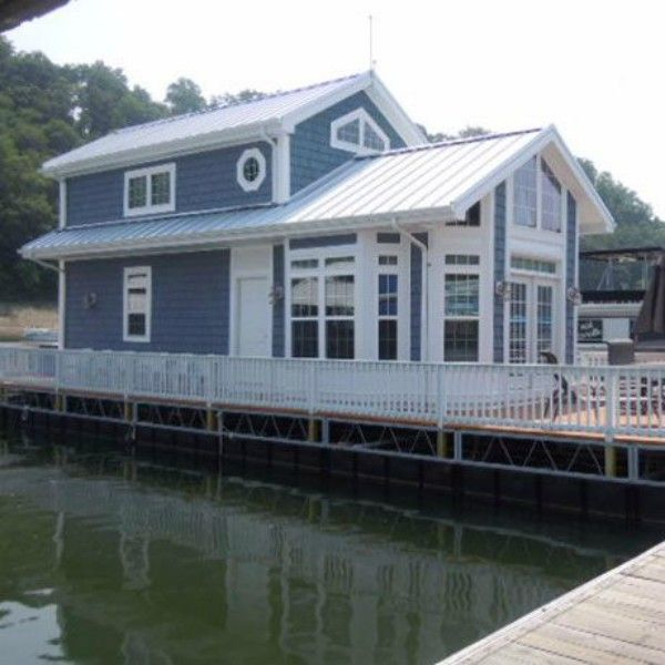 Dirt Cheap Apartments For Rent: Enjoy Cottage Living On The Lake With This Cozy 2-Story