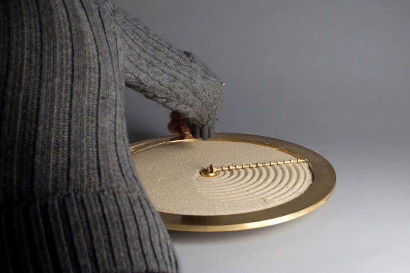 Check Out This Sand-Raking Clock Made By Studio Ayaskan
