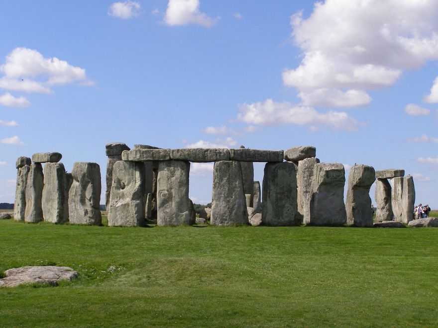 An Even Bigger Neolithic Site Has Been Discovered Near Stonehenge