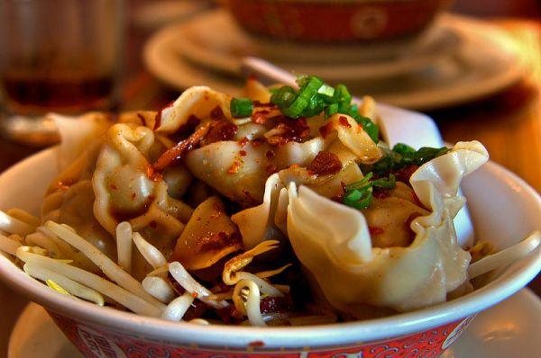 The Fascinating History Behind Why Jewish Families Eat Chinese Food on Christmas