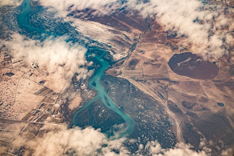 The Surprising Culprit of Intraplate Earthquakes: Rivers