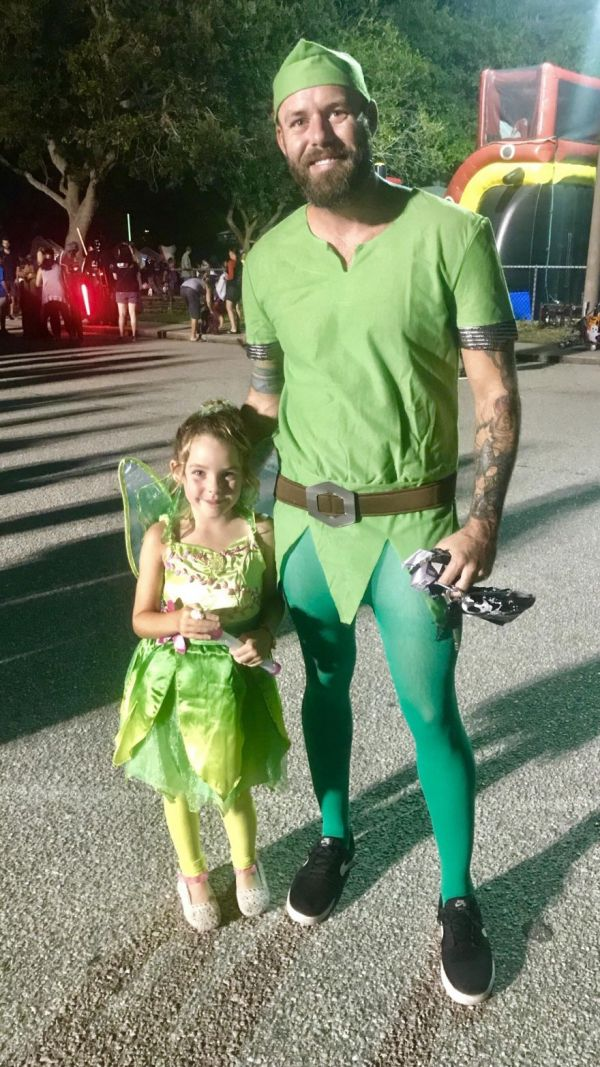 father daughter halloween costumes neatorama