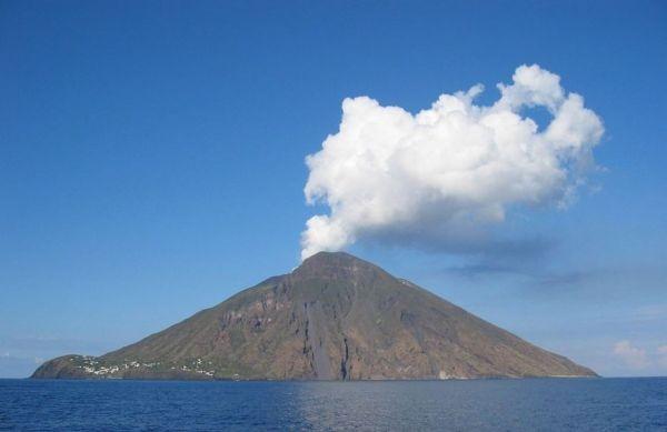 How Volcanoes Blow Smoke Rings