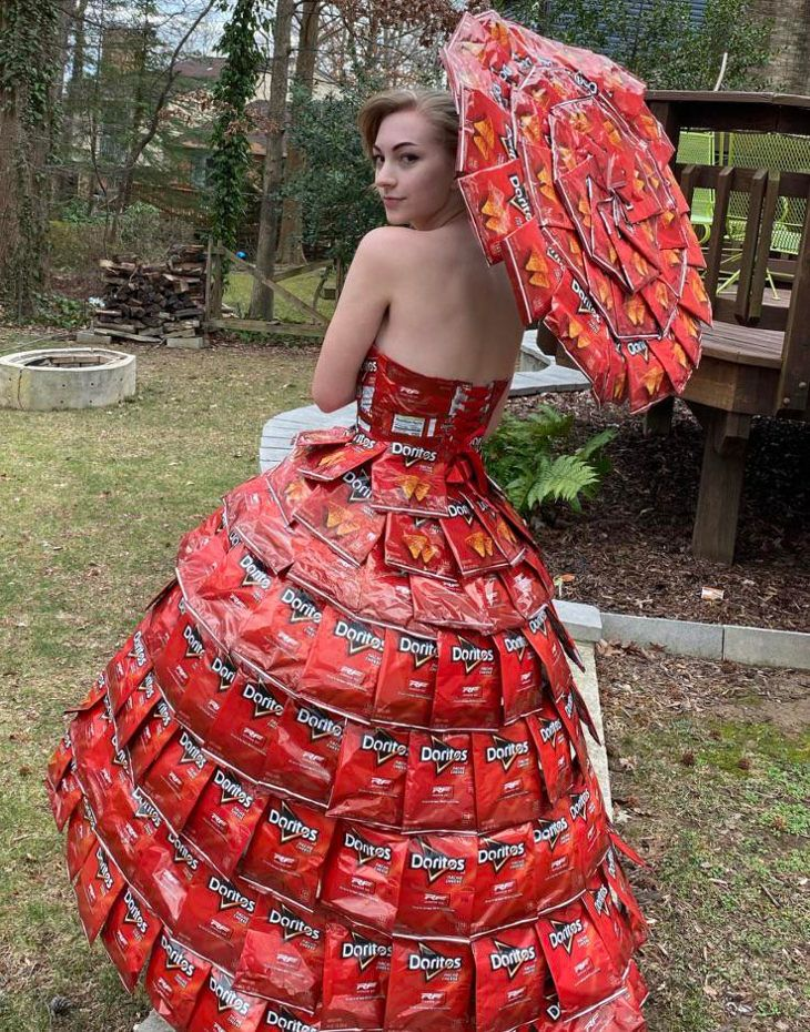 Teen Makes Prom Dress and Parasol out of Doritos Bags