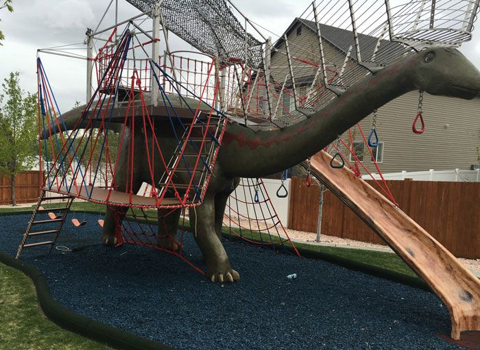 Dad Builds This Amazing Backyard Jungle Gym for His Kids ...