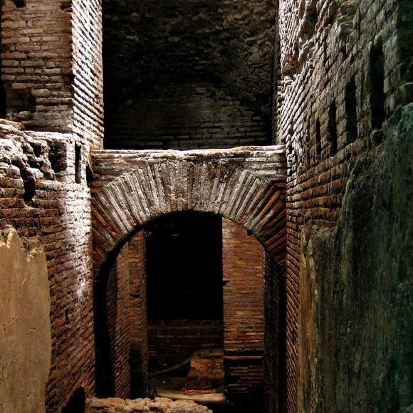 """The Forgotten """"City Of Water"""" In Rome"""