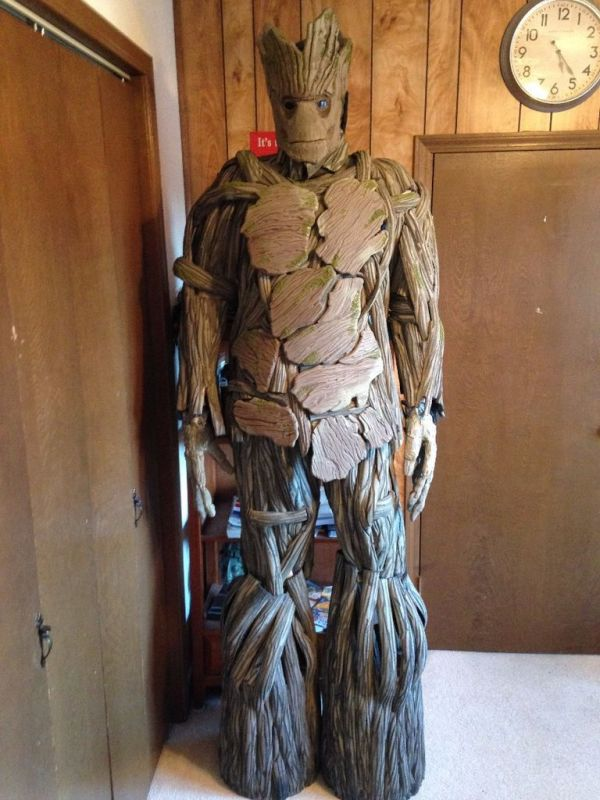 Neatogeek an incredibly realistic life sized groot costume solutioingenieria Gallery