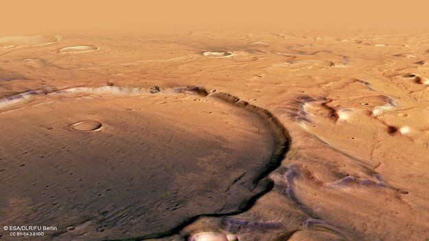 The Contrast of Dark and Light on Mars As Seen in Terra Cimmeria