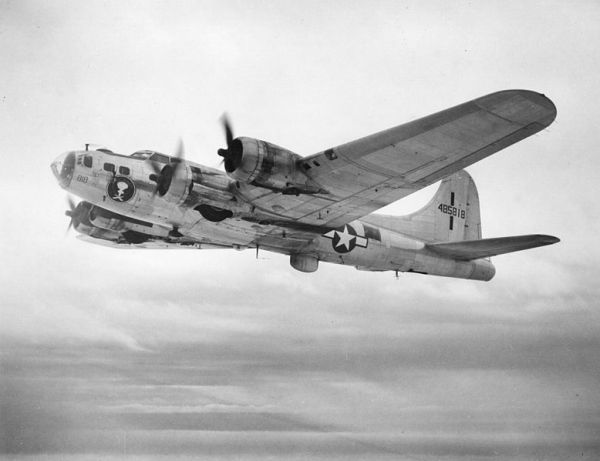 How the Dumb Design of a WWII Plane Led to the Macintosh